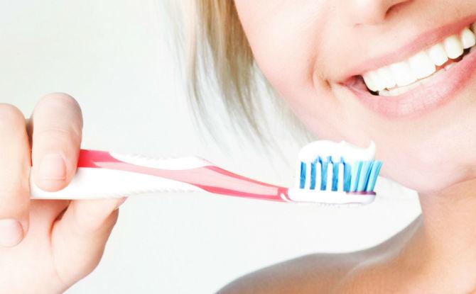 Сколько раз в день и сколько минут надо чистить зубы