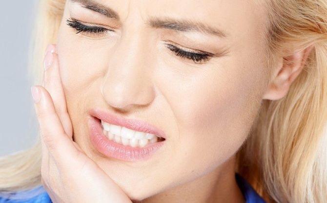 Причины боли в челюсти при открывании рта и жевании, что делать
