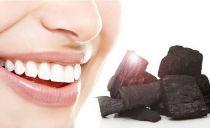 Чистка и отбеливание зубов активированным углем в домашних условиях