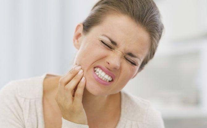 Можно ли убить нерв в зубе в домашних условиях и как это сделать