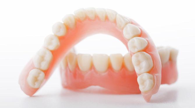 Схема челюсти человека с номерами зубов