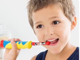 Детская механическая зубная щетка