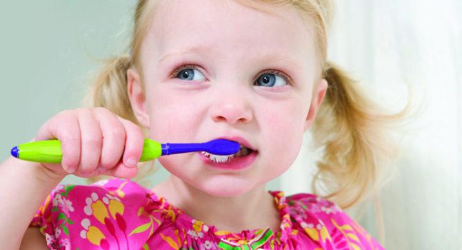 Кариес молочных зубов у детей в раннем возрасте