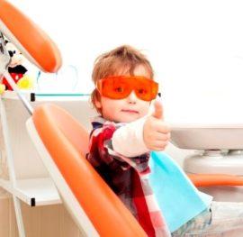 Ребенок на санации полости рта