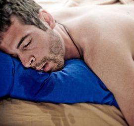 Текут слюни во сне