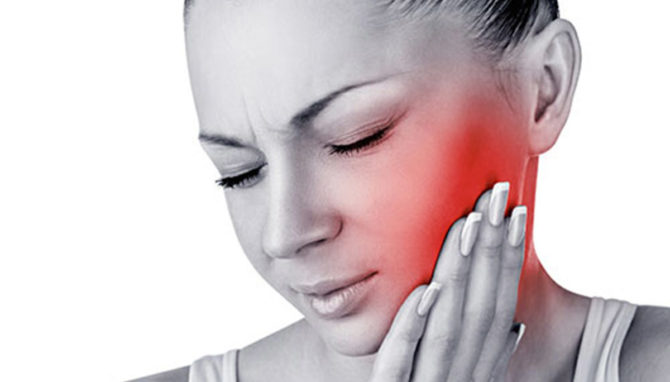 У женщины невралгия тройничного нерва